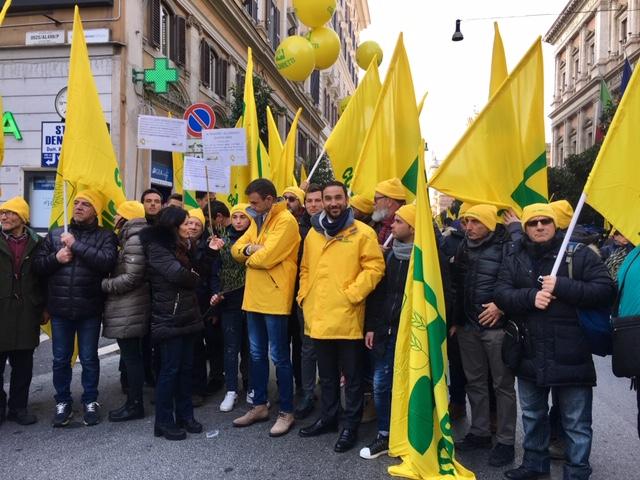 la manifestazione Coldiretti di oggi di fronte al MIPAAFT